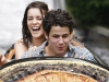 nick-jonas-girlfriends-pic-gallery (23)